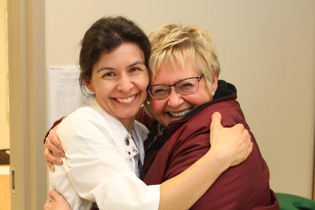 Valérie Chaplain et Mme Suzanne Bonnevile, une patiente-partenaire