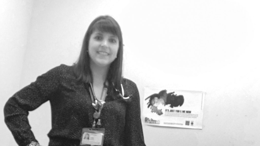Infirmière dans une salle de consultation
