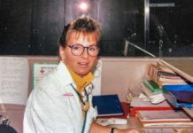 Une infirmière dans un bureau